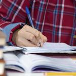 英語学習で必須といわれる「復習」とは?時間の目安や内容を徹底解説!